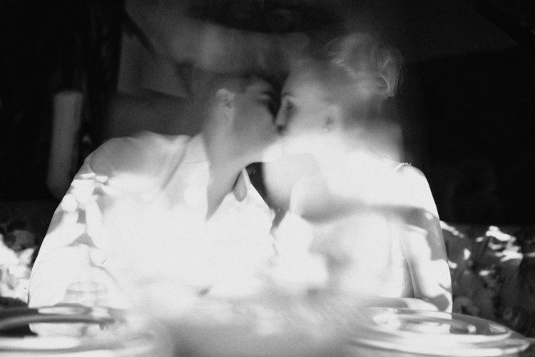 свадебная фотосеесия в ресторане