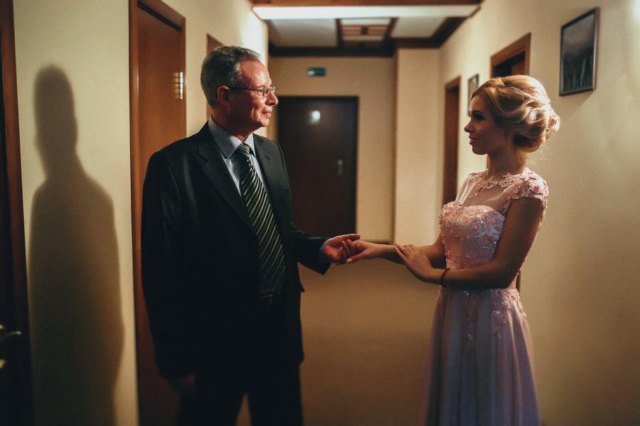 свадебная фотосессия в номере отеля, фото в интерьерах отеля