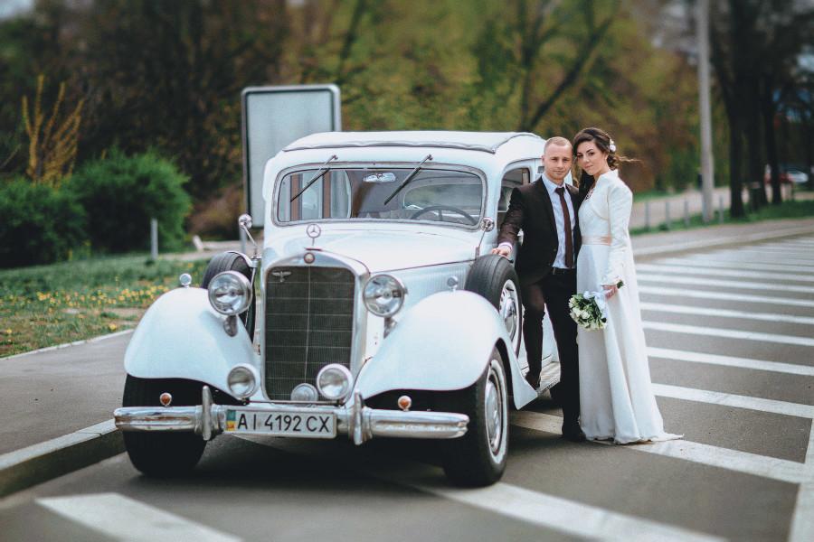 свадебная фотосессия (фото) с ретро мобилем Киев